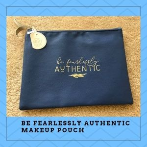 NWT Be Fearlessly Authentic Makeup Pouch!